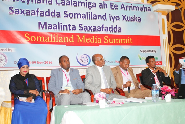Penalists: Nimco(Radio Hargeisa), Gu'leed (HRC), Mohamed(Star Tv), Abdirisak(Coordinator) and Nageeye (Freelance journalist).